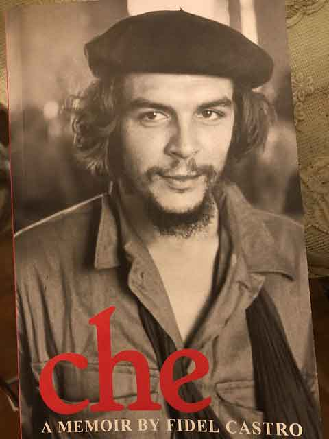 A book cover showing Che Guevara.