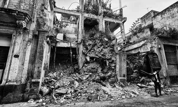 Havana-Cuba---Building-Falling-Down