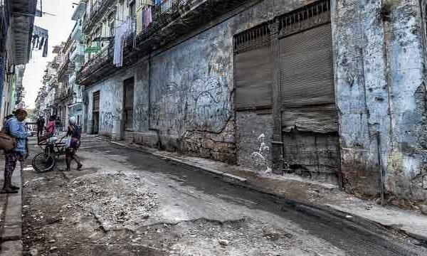 Havana-Cuba---Old-Havana-Street