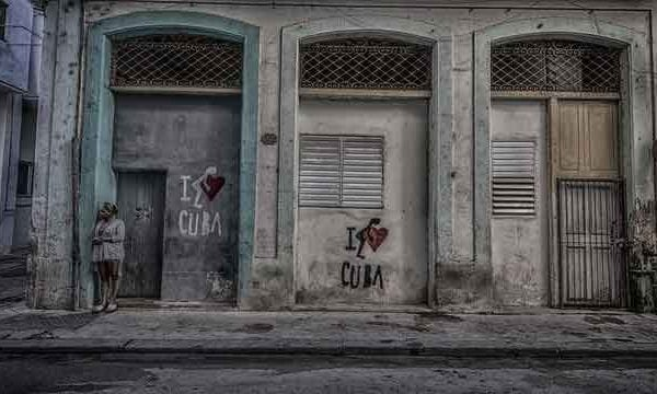 Woman-Standing-on-Streen-In-Old-Havana-Cuba